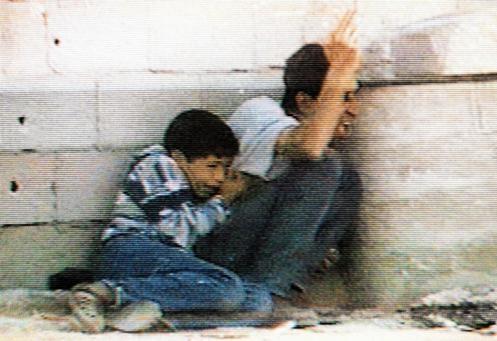 vidéos Pallywood, le grand mensonge palestinien: la mise en scène de la fausse mort de l'enfant Mohamed Al Dura