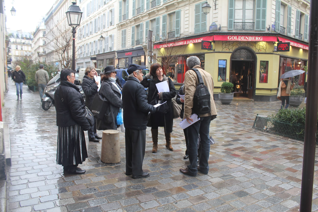 Europe-Israël distribue des tracts rue des Rosiers!