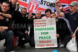 La police britannique accuse l'EDL de favoriser le recrutement pour le terrorisme