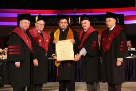 Léger changement de cap dans le monde académique ?