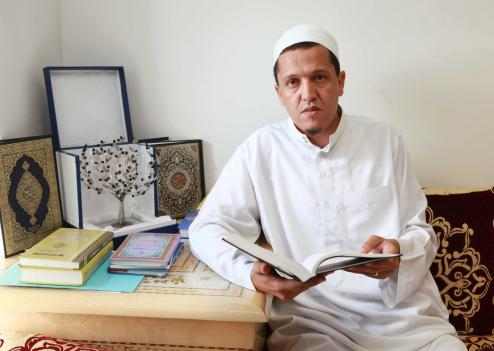 L'interview qui dérange : Comment les musulmans doivent-ils se comporter en France ?
