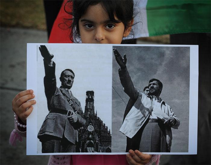 Anniversaire de la libération d'Auschwitz : Moshe Kantor compare Ahmadinejad à Hitler