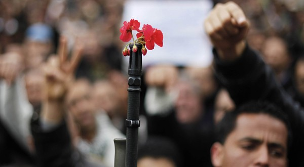 Pourquoi parle-t-on de «printemps» des peuples arabes ?