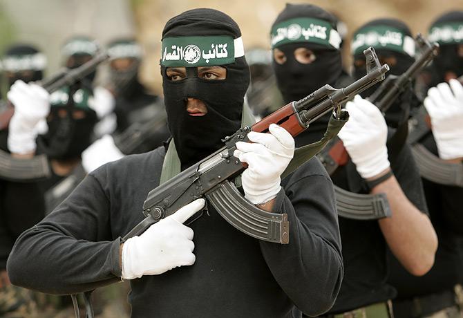 La frontière entre Gaza et l'Egypte a cessé d'exister. Les militants du Hamas rejoignent les rangs des Frères Musulmans.
