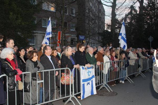 Vidéo: rassemblement à Bruxelles pour la famille Fogel assassinée