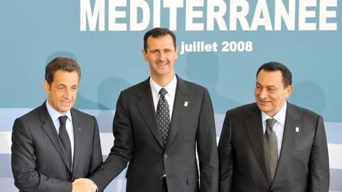 Vidéo: le copain de Sarkozy Bachar El Assad massacre son peuple ! Que fait Sarkozy ?