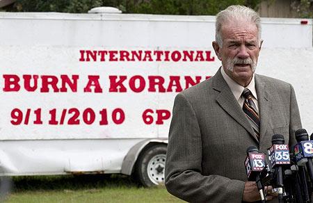 Faut-il reprocher à un pasteur de Floride les morts en Afghanistan ?