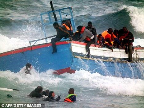La Libye cherche à inonder l'Europe de migrants expulsés de force, et toujours pas de « flottille humanitaire » en vue