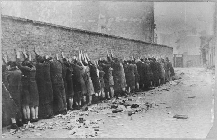 Les soulèvements juifs dans les ghettos et les camps, 1941-1944