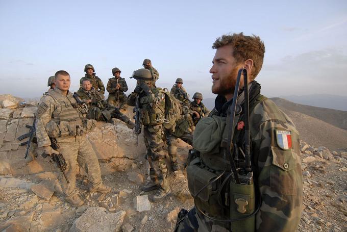 Afghanistan. Révolté par certaines pratiques sur le terrain, un jeune aumônier militaire rompt le silence.