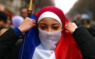 Air France  doit permette à son personnel de porter le hijab aux USA selon CAIR