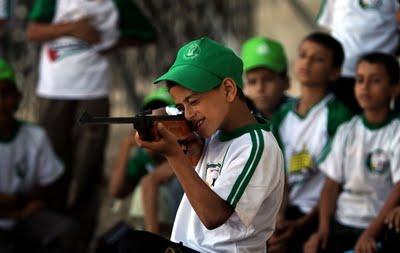 Camp de vacances pour enfants du Hamas: au programme tuer du Juif