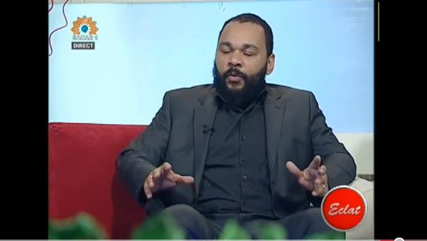 Vidéos: interview de Dieudonné à la TV iranienne: «les Chrétiens doivent rejoindre l'Islam contre les sionistes»