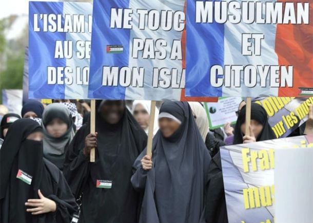 L'islam menace-t-il ou ne menace-t-il pas la démocratie politique en France et dans le monde ?