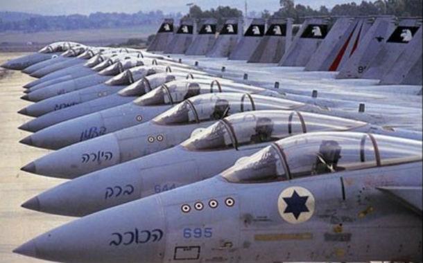 Le Pacte de défense israélo-grec invoqué face aux mouvements navals et aériens turcs.