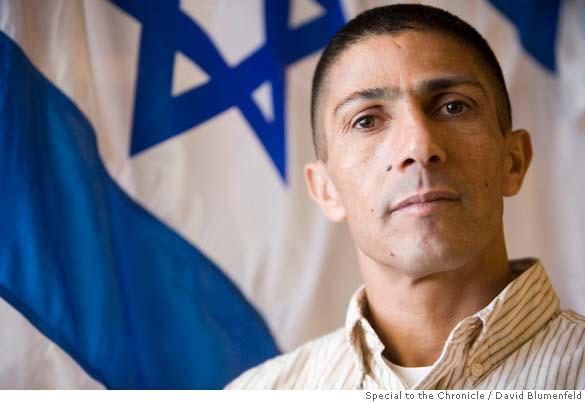 Ishmael Khaldi, Bedouin, Vice Consul d'Israël: Je suis fier de mon pays !