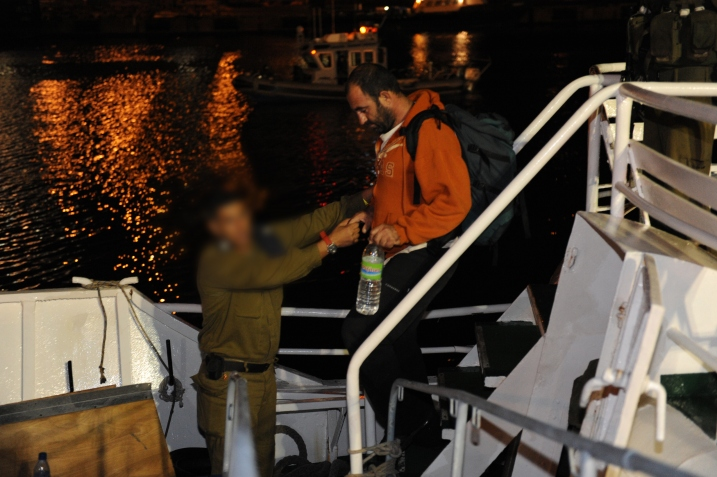 Vidéos et photos : Arraisonnement de la flottille – L'équipage : « Nous ne transportons aucune cargaison »