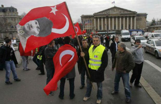 Turquie/France : Loi sur le génocide arménien : Erdogan appelle à  la violence urbaine