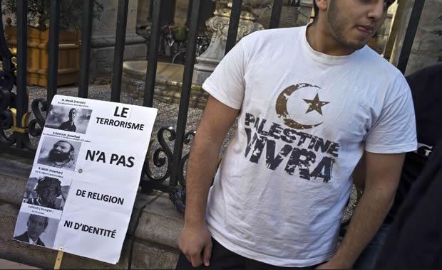 Manifestation à Paris du 25 mars: la récupération bat son plein et le service d'ordre passe à tabac un Juif !