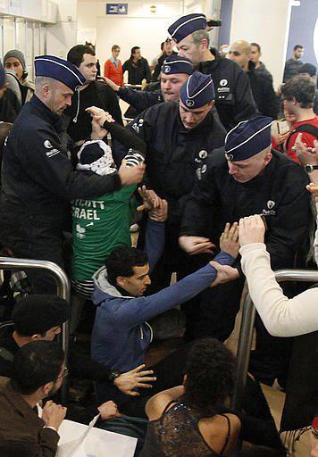 Photos : Des militants «Welcome to Palestine» refusés d'embarquer pour Tel Aviv à Zaventem -Brussels Airport