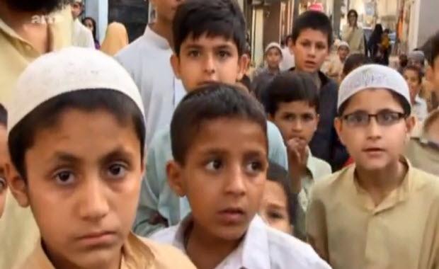 Vidéo: Les enfants musulmans kamikazes se font exploser pour Allah