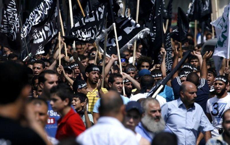 Le monde islamique attaque les interets occidentaux