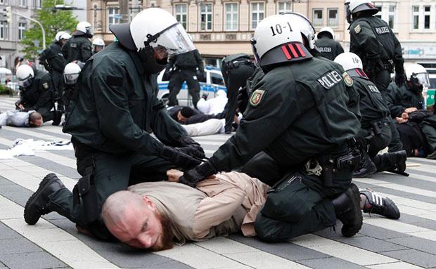 L'Allemagne fait du Valls: la chasse aux salafistes est ouverte !
