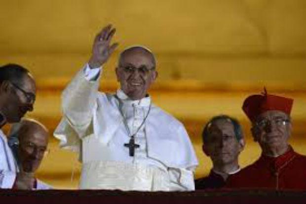 Le cardinal Jorge Mario Bergoglio est le pape François – vidéo