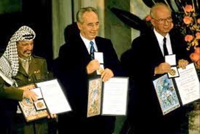 Un homme qui doit rendre des comptes (2ème partie) «14 questions à Shimon Peres»