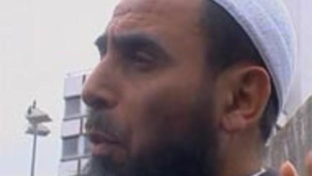 Manuel Valls se fourvoie à Lyon dans une mosquée salafiste