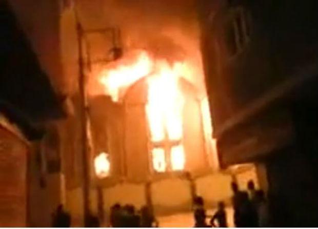 Massacre des Coptes : photos et vidéos des églises brûlées et saccagées par les pro-Morsi en Égypte