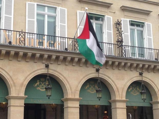 La délégation palestinienne au QG de la gestapo.
