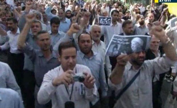 Vidéo/Téhéran : Marée humaine des pacifiques Rohaniens hurlant «à Mort Israël et l'Amérique»
