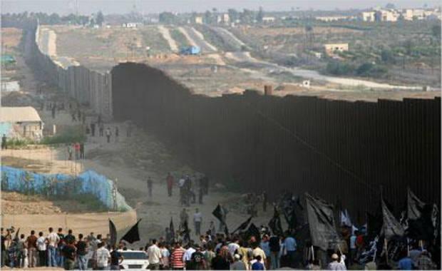 Le mur qui couvre de honte les Verts, le parti Communiste, Amnesty International, le MRAP, la LCR … et tant d'autres…