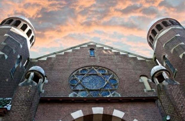 Le Parti Libéral Démocrate Hollandais veut plus de fonds pour la sécurité des Juifs d'Amsterdam