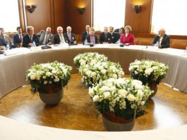 A Genève, l'Iran obtient la légitimité de poursuivre son projet atomique, par Freddy Eytan