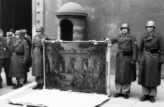 Des chefs-d'oeuvre d'une valeur de 1,3 millions d'euros, volés par les nazis, découverts dans un appartement en Allemagne.