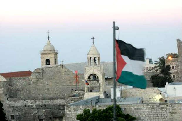 Mahmoud Abbas réécrit l'histoire et le présent dans un message de Noël 2013 de propagande par Hélène Keller-Lind