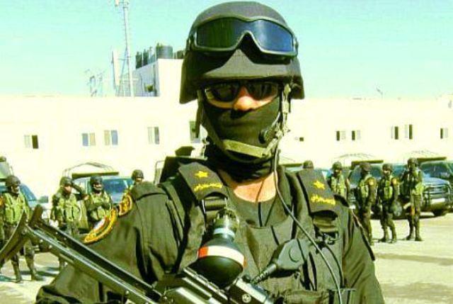 L'unité 'anti-terroriste' de l'AP et les terroristes d'Al Aqsa armés jusqu'aux dents