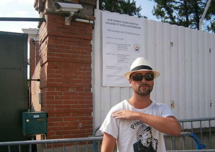 Quenelle devant l'école juive Ozar Hatorah : Joe Le Corbeau interpelé !
