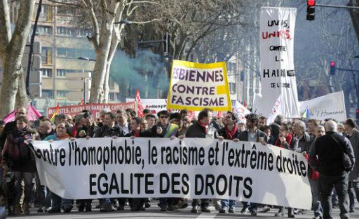 Manifestation à Toulouse contre l'antisémitisme : «Yardeni casse-toi, le Crif, fascistes, sionistes, cassez-vous»