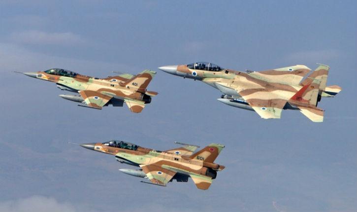 """Syrie : des avions """"non-identifiés"""" ont frappé un entrepôt d'armes iranien contenant des munitions et des barils d'explosifs"""