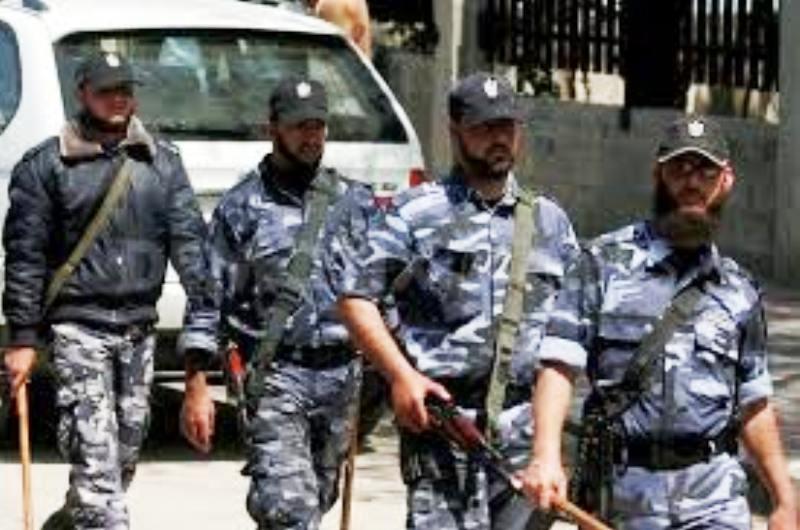 Gaza : Tension entre le Hamas et la population. La police du Hamas tire à vue dans la foule.