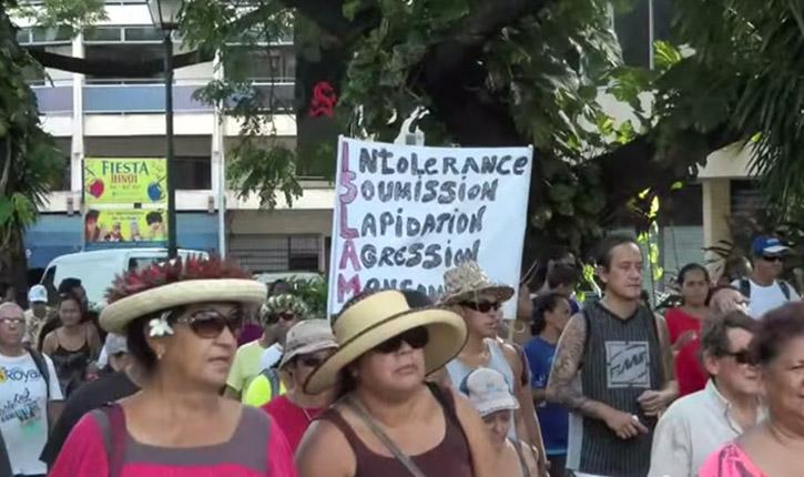 Pendant ce temps à Tahiti, des manifestations anti-islam s'organisent