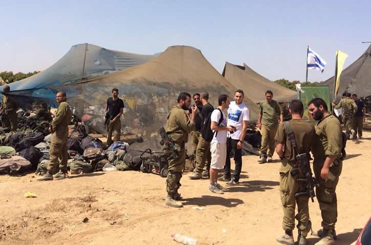 Vidéo: Europe Israël livre du matériel aux soldats israéliens à Gaza