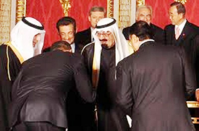 Scoop: Un ancien cadre de la CIA admet que le Président Obama est un islamiste radical, ennemi de l'Amérique.