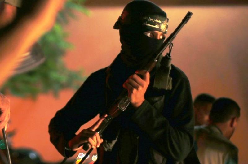 Pendant la Guerre de Gaza, Hamas menaçait les employés de l'UNRWA pistolet sur la tempe.