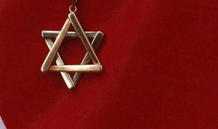 De plus en plus de Juifs quittent la France. Un «petit remplacement» est en marche…