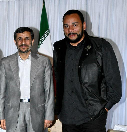 Dieudonné est en Iran pour toucher son chèque et assister à une conférence négationniste et antisioniste
