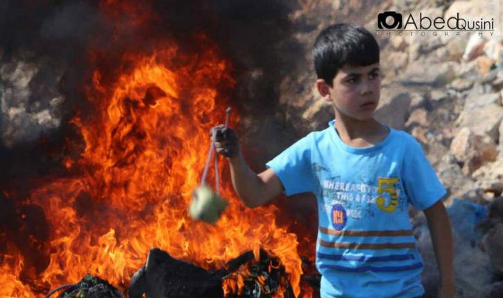 Un petit lanceur de pierres palestinien si photogénique…